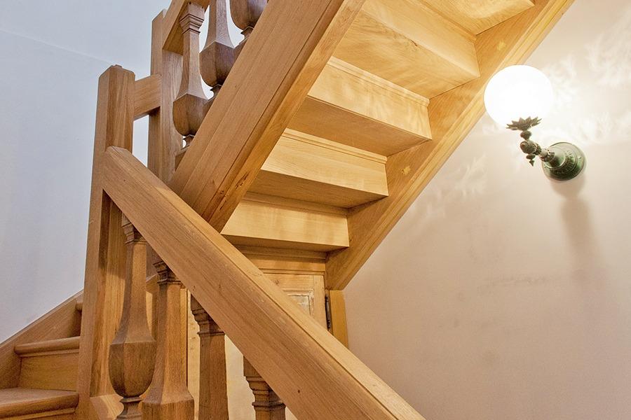 Escalier en bois par menuiserie Duprat